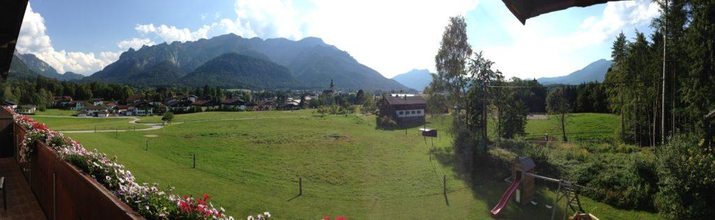 Panoramaansicht vom Balkon von Wohnung 2